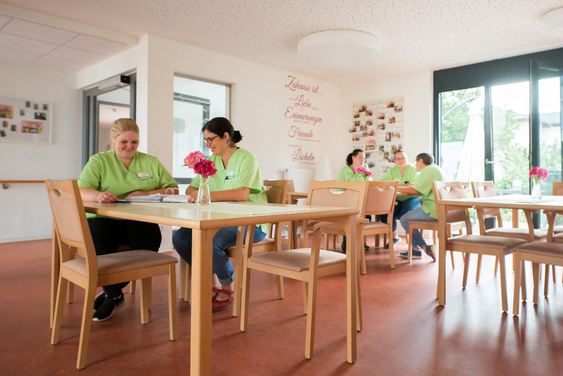 Team der Wohngemeinschaft Leben Intensiv Lemgo